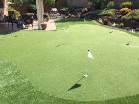 Artificial Turf & Putting Greens